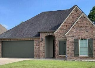 Foreclosed Home in REGAL OAKS DR, Scott, LA - 70583