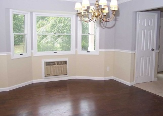 Foreclosed Home en ANDREW ST, Port Jefferson Station, NY - 11776