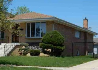 Foreclosed Home en W 100TH PL, Evergreen Park, IL - 60805