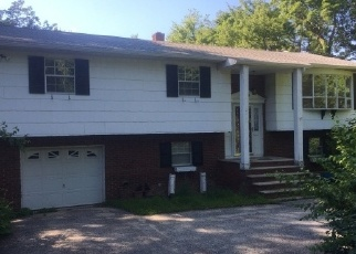 Foreclosed Home in LEE DR, Highland Lakes, NJ - 07422