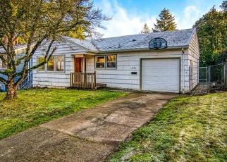 Foreclosed Home in SE 34TH AVE, Portland, OR - 97222