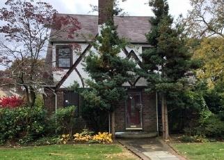 Foreclosed Home en STANTON AVE, Baldwin, NY - 11510