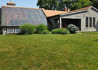 Foreclosed Home in BROWNELL ST, Warren, RI - 02885