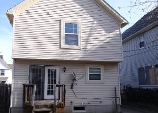Foreclosed Home en E 112TH ST, Cleveland, OH - 44106