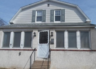 Foreclosed Home en ROBERTS AVE, Conshohocken, PA - 19428