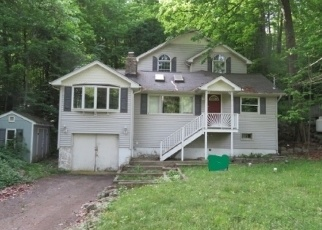 Foreclosed Home in WENATCHEE RD, Highland Lakes, NJ - 07422
