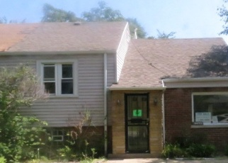 Foreclosed Home en S LUELLA AVE, Chicago, IL - 60617