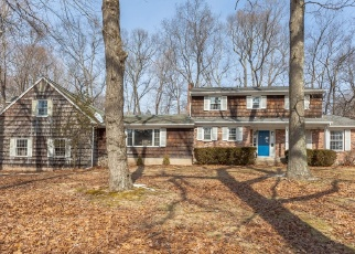 Foreclosed Home in BROWNSON DR, Shelton, CT - 06484
