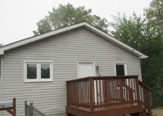 Foreclosed Home in HOWARD AVE, Aurora, IL - 60506