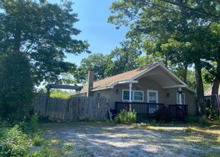 Foreclosed Home en HOLBROOK ST, Patchogue, NY - 11772