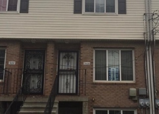 Foreclosed Home en RICHMOND TER, Staten Island, NY - 10303