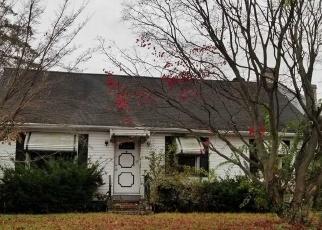 Foreclosed Home en BREFNI ST, Amityville, NY - 11701