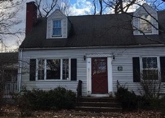 Foreclosed Home in OAKWOOD DR, Wayne, NJ - 07470
