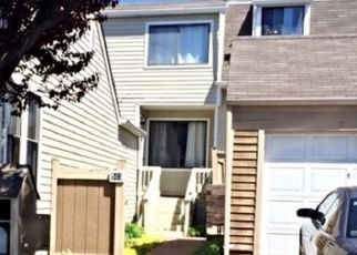 Foreclosed Home in EMERSON DR, Branford, CT - 06405