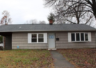 Foreclosed Home en COOLIDGE ST, Windsor Locks, CT - 06096