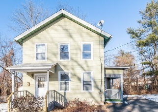 Foreclosed Home in MAPLE ST, Middletown, CT - 06457