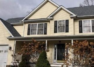 Foreclosed Home en PARK LN, Medford, NY - 11763