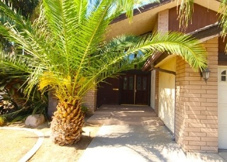 Foreclosed Home en CREEMORE ST, Bakersfield, CA - 93308