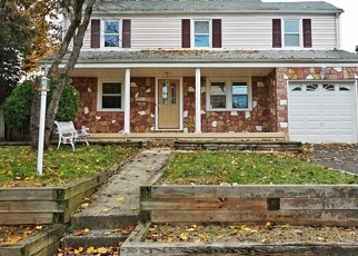 Foreclosed Home in N STOUGHTON ST, Bergenfield, NJ - 07621