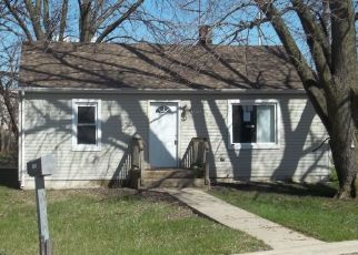 Foreclosed Home in RAILROAD AVE, Lansing, IL - 60438