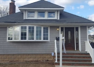 Foreclosed Home en LINCOLN ST, Baldwin, NY - 11510