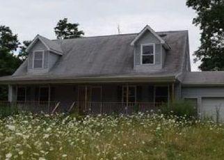 Foreclosed Home en CENTER RD, Fredonia, NY - 14063