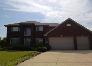 Foreclosed Home en CHARLOTTE DR, Lansing, IL - 60438