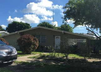 Foreclosed Home en NE 25TH CT, Miami, FL - 33180