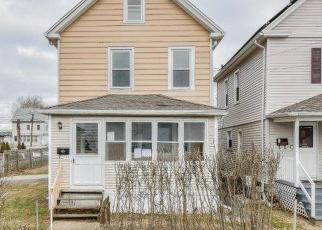 Casa en ejecución hipotecaria in Stratford, CT, 06615,  HOLLISTER ST ID: F4336241