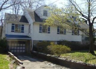 Foreclosed Home en EDGEPARK RD, White Plains, NY - 10603