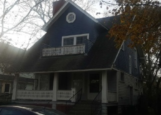 Foreclosed Home en 5TH ST, Elyria, OH - 44035