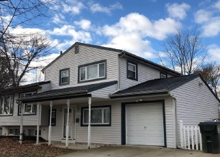 Foreclosed Home in CYPRESS DR, Colonia, NJ - 07067