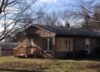 Foreclosed Home en VALLEY VIEW RD, Lansing, MI - 48906