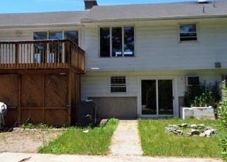 Casa en ejecución hipotecaria in North Haven, CT, 06473,  HIGHLAND PARK RD ID: F4336451