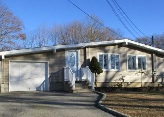Foreclosed Home en MAPLECREST DR, Ronkonkoma, NY - 11779