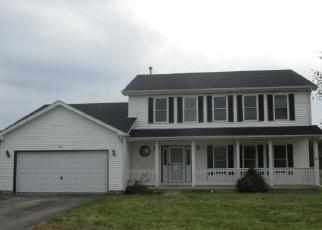 Foreclosed Home in COBBLESTONE TRL, Mchenry, IL - 60050