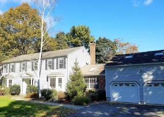 Foreclosed Home en 1/2 OVERBROOK RD, Norwalk, CT - 06851