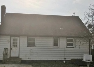 Foreclosed Home en LIBERTY ST, Patchogue, NY - 11772
