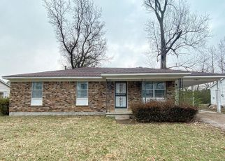 Foreclosed Home in WILLOW WOOD AVE, Memphis, TN - 38127