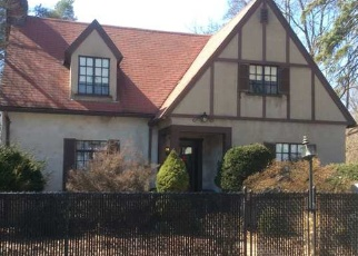 Foreclosed Home in HOME AVE, Meriden, CT - 06451