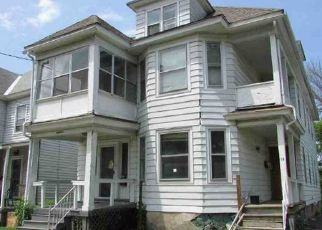Foreclosed Home en HAMPDEN PL, Utica, NY - 13502
