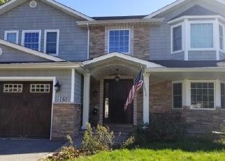 Foreclosed Home en MASSAPEQUA AVE, Massapequa, NY - 11758