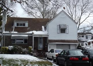 Foreclosed Home en N BROOKSIDE AVE, Freeport, NY - 11520