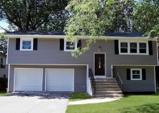 Foreclosed Home en MANHATTAN AVE, Roosevelt, NY - 11575