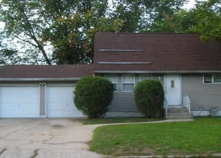 Foreclosed Home in 18TH AVE, Bay Shore, NY - 11706