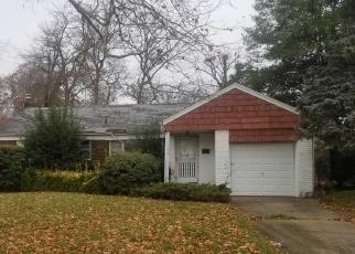 Foreclosed Home en LAUREL DR, West Hempstead, NY - 11552