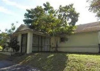 Foreclosed Home en SW 285TH TER, Homestead, FL - 33033