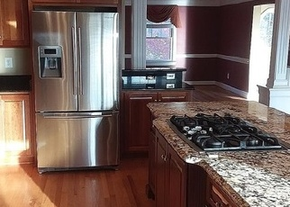 Foreclosed Home en YORK POINT RD, Seaford, VA - 23696