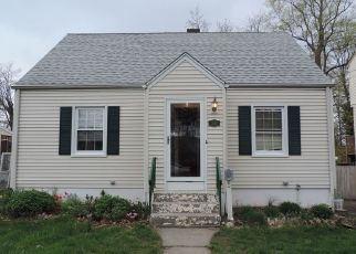 Foreclosed Home in PECK AVE, West Haven, CT - 06516