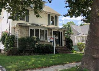 Foreclosed Home in DENTON AVE, Lynbrook, NY - 11563